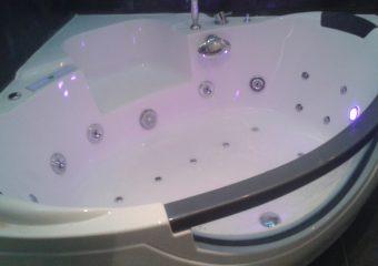 Хидромасажна вана за домът